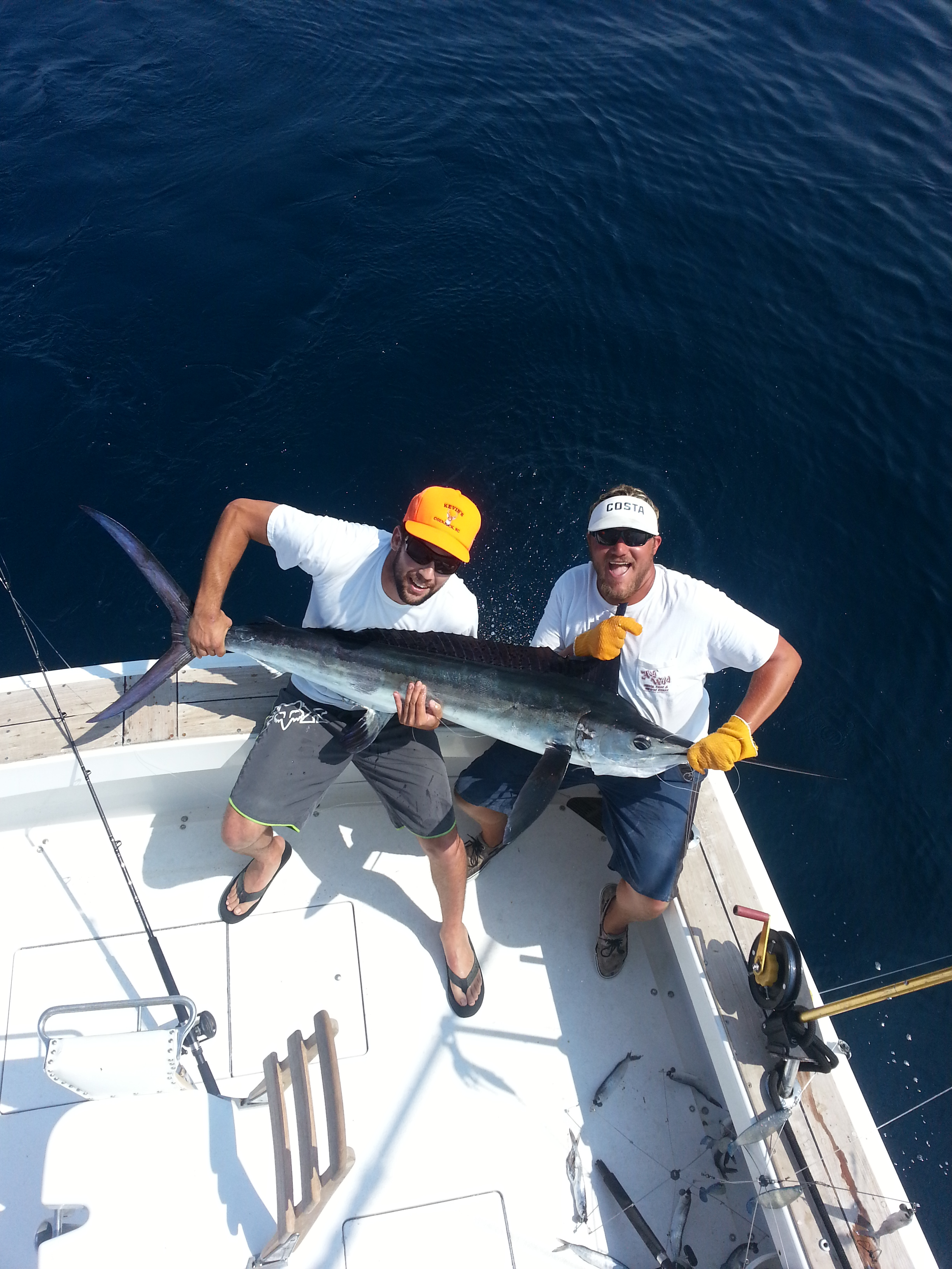 Outer banks fishing report marlin and dolphin for Fishing charters outer banks